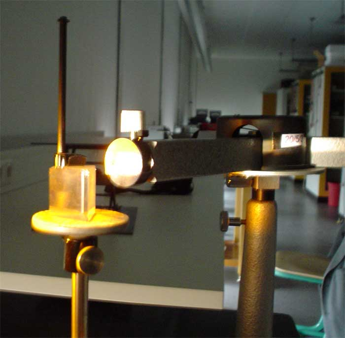 Resonanzabsprption Natrium Aufbau Experiment