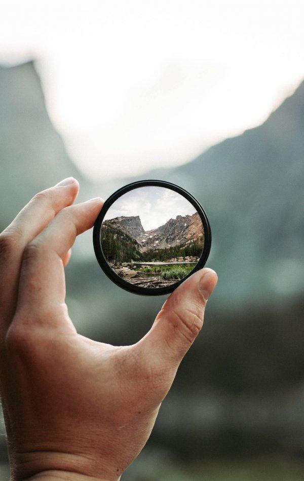 round-mirror-2853432